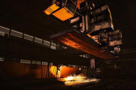 钢厂集体上调产品价格 钢铁股迎来绝佳布局良机