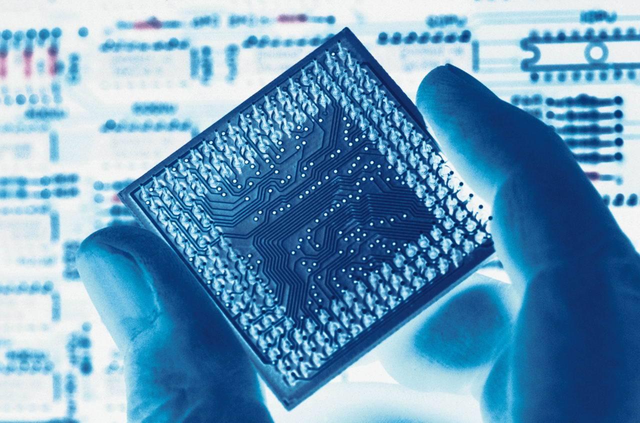电子信息制造业投资增速现反弹 大企业对芯片领域投资加大出手