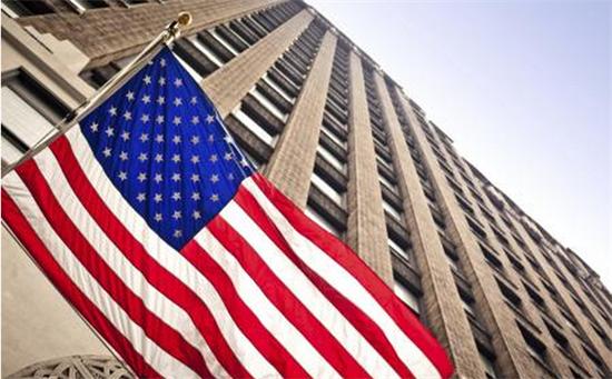 """美联储维持利率不变 经济增长""""强劲"""""""