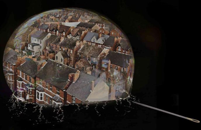 地产泡沫,一戳就破
